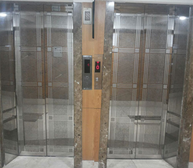 Leading Elevator Door Manufacturer In Mumbai Passenger Lift Door